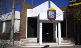 https://radio2000camilo.com.ar/wp-content/uploads/2013/05/MunicipalidadFrente1.jpg